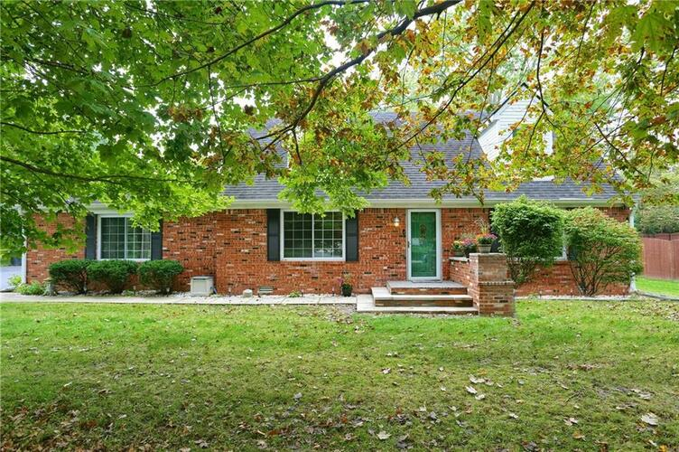 6734  BLOOMFIELD Drive Indianapolis, IN 46259   MLS 21817348