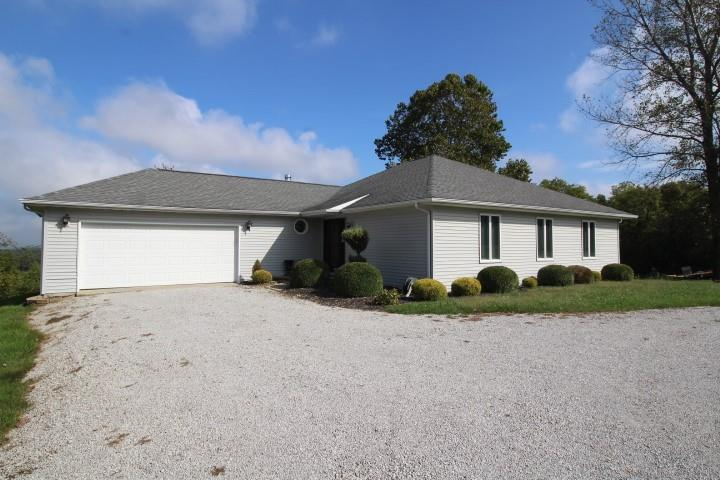 2288 W County Road 275 South  Vallonia, IN 47281 | MLS 21817660