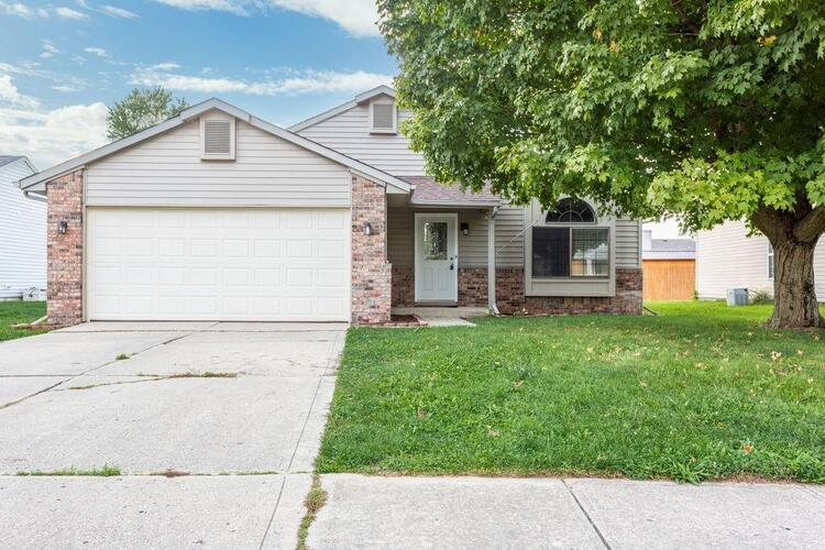 1329  Chesterfield Drive Anderson, IN 46012 | MLS 21818183