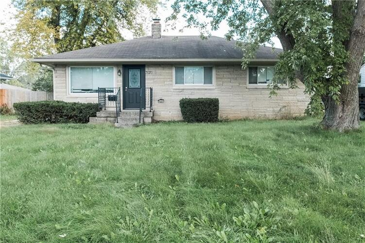 7670 E 49th Street Indianapolis, IN 46226   MLS 21818950