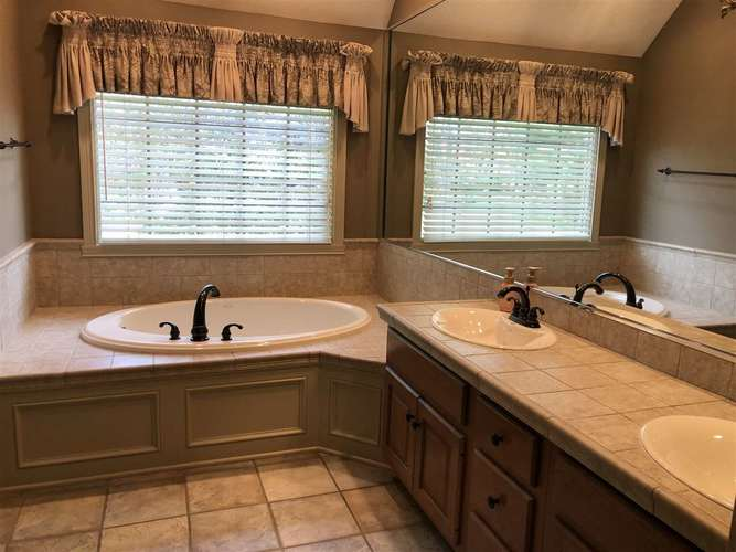 231 Piccadilly Terre Haute IN 47803 | MLS 92101 | photo 13