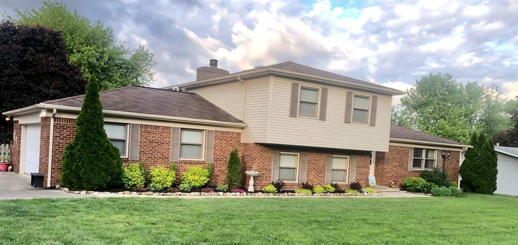 5810  Ernest  Terre Haute, IN 47802 | MLS 92193