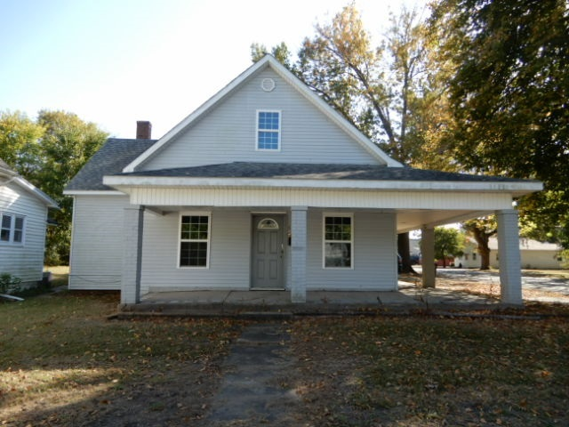 656  Vine Street  Clinton, IN 47842 | MLS 93419