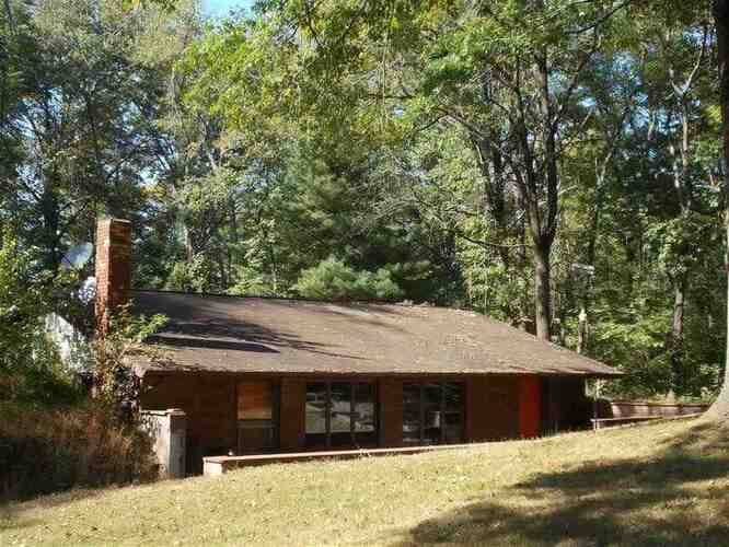 4462 S County Road 900 East 4662 South County Road 900 East Dugger, IN 47848   MLS 93501