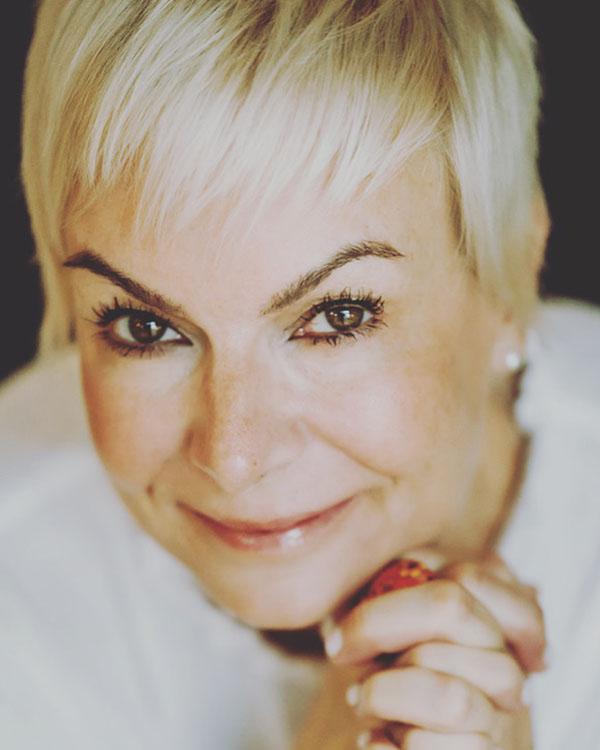 Amy Gawronski, REALTOR®/Broker, F. C. Tucker Company, Inc.