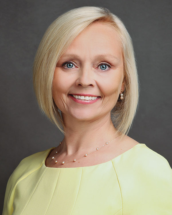 Kirsti Roslender, REALTOR®/Broker, F. C. Tucker Company, Inc.