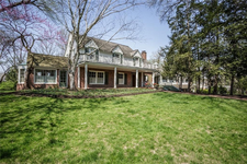 555  PINE Drive Indianapolis, IN 46260 | MLS 21559120